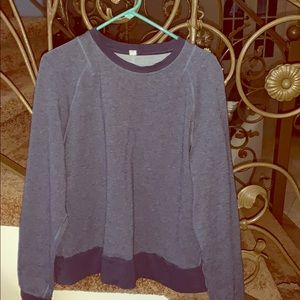 Large Lululemon sweatshirt